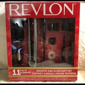 🍁2/$60 NIB Revlon 11pcs Smooth and Sleek Gift Set
